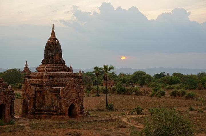 temple birmanie bagan